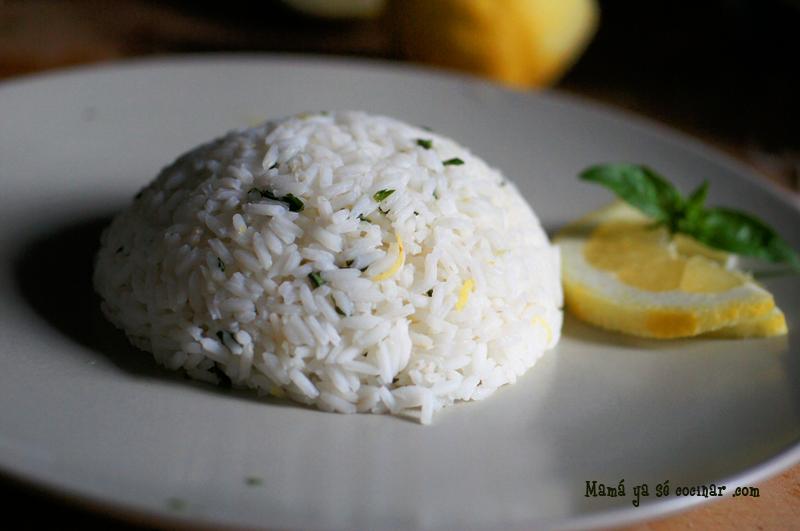 arroz aromatizado con albahaca