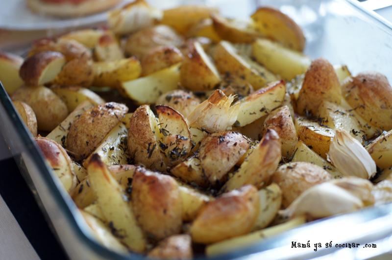 Receta de patatas asadas con hierbas | Sencilla y rápida