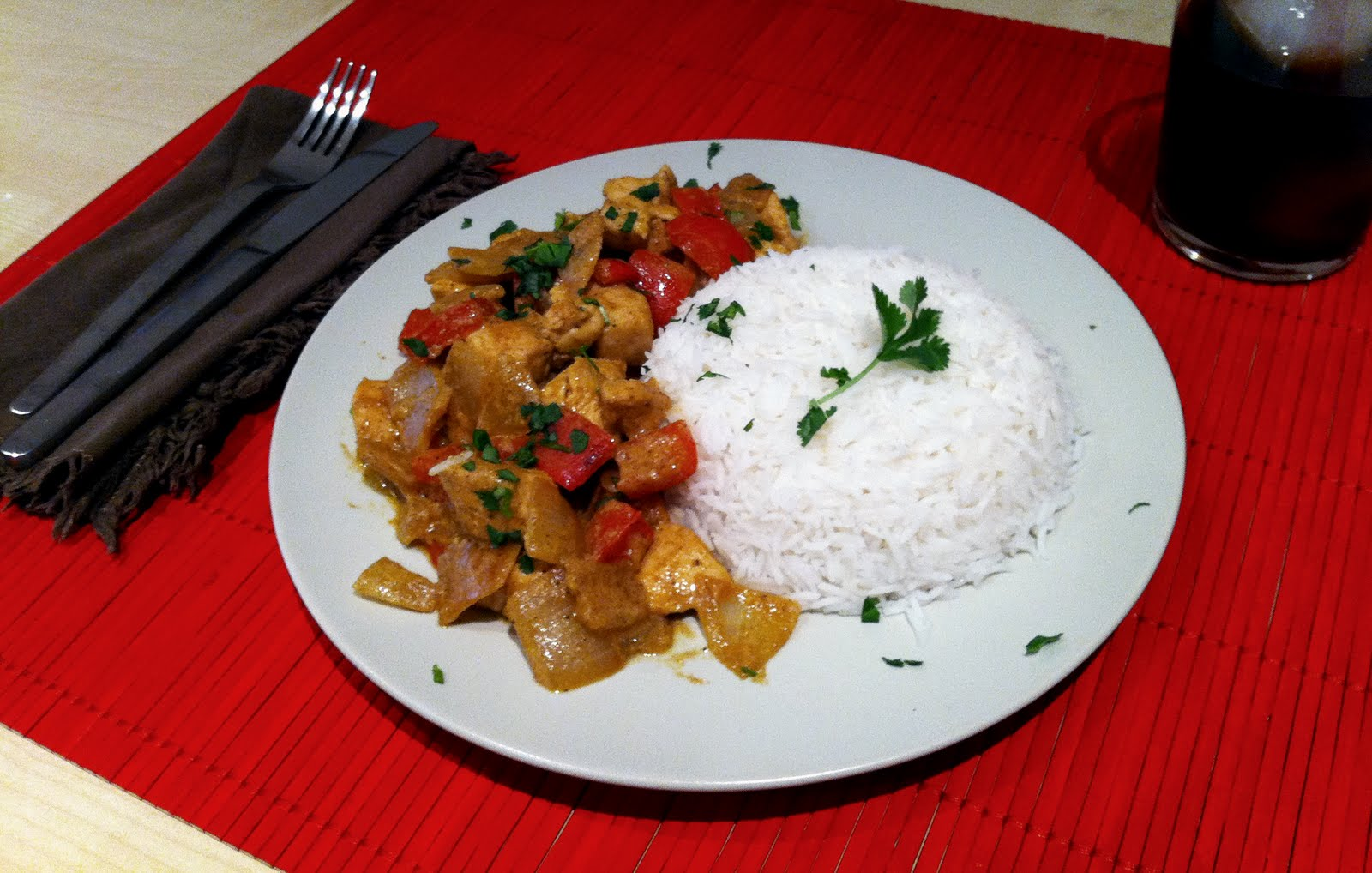 pollo curry hindu Pollo al curry hindú