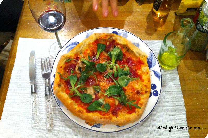 pizza de masa fins